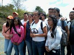 """#Venezuela: """"La juventud seguirá en la calle, pacífica y organizada. Si los medios callan que hable la calle"""" pic.twitter.com/rRGxzP6UfV"""