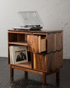 Walnut record player stand and vinyl storage cabinet featuring live edge wood slab Wood Furniture, Furniture Design, Record Player Stand, Record Players, Soft Close Drawer Slides, Design Industrial, Muebles Living, Vinyl Record Storage, Vinyl Record Cabinet