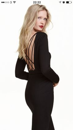 Backless body, gorgeous with high waisted jeans