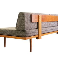 Mid Century Modern Daybed Casara Modern Classic Daybed Our amazing, handcrafted mid-century modern style daybed/sofa is perfect for a small home, apartment, den or office. Mid Century Modern Daybed, Mid Century Furniture, Mid Century Couch, Diy Sofa, Diy Daybed, Daybed Couch, Daybed Ideas, Daybed Room, Daybed Bedding