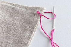 How to Hand Sew: 6 Basic Stitch Photo Tutorials Sewing Basics, Sewing Hacks, Sewing Tutorials, Sewing Tips, Hand Sewing Projects, Sewing Projects For Beginners, Diy Projects, Sewing Crafts, Stitch Pictures