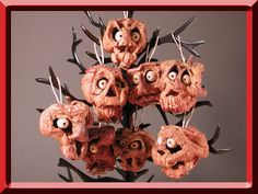 Making shrunken apple heads is a lot of fun and a great activity with the kids.