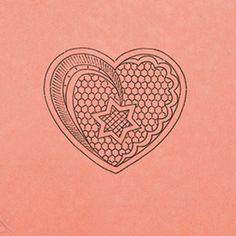 Cuore stella, cartone disegnato e forato Lacemaking, Lace Heart, Lace Jewelry, Bobbin Lace, Lace Detail, Fiber Art, Cross Stitch, Butterfly, Embroidery