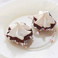 Chocolate-Peppermint Meringue Kisses