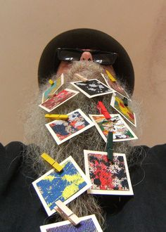 BEARD GALLERY - Opere di Paola Di Domenico installate sulla mia barba (Galleria Pensile)