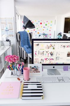 New Blog Design + 2018 Goals | Home office, Girl Boss, Tips, Blog, Desk, Annawithlove Blog