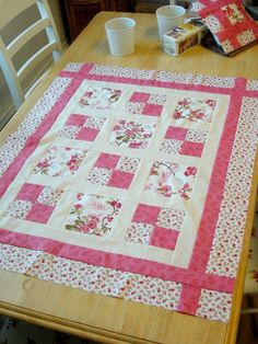 Quilt Course 2019 - Beginners Welcome Learn how to quilt at the Raggy Robin Sewing Room in County Durham.uk Quilt Course 2019 - Beginners Welcome Learn how to quilt at the Raggy Robin Sewing Room in County Durham. Quilt Baby, Baby Girl Quilts, Lap Quilts, Girls Quilts, Quilts For Kids, Baby Quilts Easy, Baby Quilts To Make, Baby Patchwork Quilt, Pink Quilts