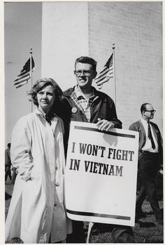 for peace (Washington, D.): I won't fight in Vietnam March for peace (Washington, D.): I won't fight in Vietnam for peace (Washington, D.): I won't fight in Vietnam Historia Universal, Cartoon Photo, Vietnam War, Vietnam Protests, Vietnam History, World History, Back In The Day, Historical Photos, Old Photos
