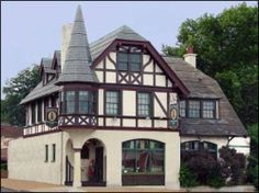 Feasting Fox is a German Restaurant in St. Louis, Missouri specializes in German entrees