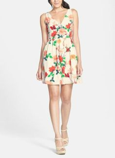 Love for summer! Floral print fit & flare dress.