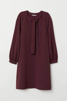 Muslim Fashion, Modest Fashion, Hijab Fashion, Fashion Dresses, Red Fashion, Petite Fashion, Curvy Fashion, Fall Fashion, Style Fashion