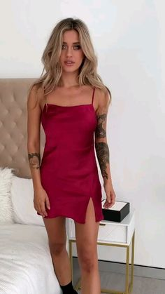 Hoco Dresses, Tight Dresses, Satin Dresses, Sexy Outfits, Girl Outfits, Fashion Outfits, Sexy Women, Modelos Fashion, Night Dress For Women