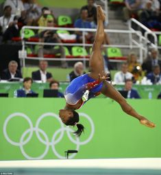 One of Biles' strengths is that she performs routines with a very high level of difficulty. So even if she doesn't have a clean landing, she can still beat the rest of the field by a wide margin Gymnastics Routines, Gymnastics Coaching, Gymnastics Posters, Gymnastics Pictures, Gymnastics History, Gymnastics World, Amazing Gymnastics, Gymnastics Stuff, Simone Biles