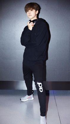 """鹿晗 Luhan Studio Weibo update [Luhan on """"Date Superstars""""]"""