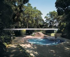 As casas de Oscar Niemeyer: outra vista da Casa das Canoas, no Rio de Janeiro, projeto de 1953