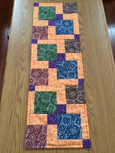 Disappearing nine patch quilted table runner Cindy - 2