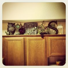 Kitchen Cabinets Decor decorate+above+kitchen+cabinets | home decor. decorating above the