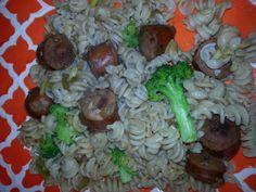 Brown rice noodle.  Broccoli.  Chicken sausage.  Zucchini.