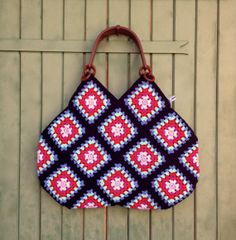 Items similar to crochet granny square & cotton bag with plastic handles on Etsy Crotchet Bags, Bag Crochet, Crochet Handbags, Crochet Purses, Cotton Crochet, Knitted Bags, Point Granny Au Crochet, Granny Square Häkelanleitung, Crochet Squares Afghan