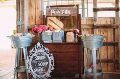 Rustic-Chic Barn Wedding Inspiration – Green Wedding Shoes – The Best Ideas Rustic Barn, Rustic Chic, Barn Wedding Inspiration, Wedding Ideas, Wedding Signs, Wedding Blog, Wedding Favors, Wedding Decor, Vintage Farm Party