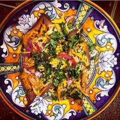 Shredded BBQ chicken on Japanese yams and Deruta dinnerware, a la @harriet_la_spy!! Mmmm - a regal dinner indeed.