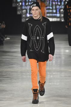 See the complete Marcelo Burlon County of Milan Fall 2016 Menswear collection.