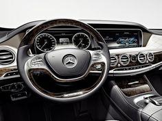 Présentation de la Mercedes-Benz Maybach S600 au salon de l'Auto à Los Angeles. #mercedes #mercedesbenz #mb #Maybach #s600
