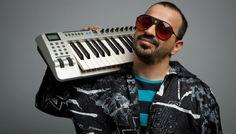 """Monsieur Minimal: Mαθαίνουμε περισσότερα για την ποπ συνταγή που έχει στο μυαλό του αυτός ο άνθρωπος και για την """"Erotica"""" διάθεσή του. ------------------------------------------------------ #music #hit #agkalia #single #fragilemagGR http://fragilemag.gr/m-m-minimal/"""