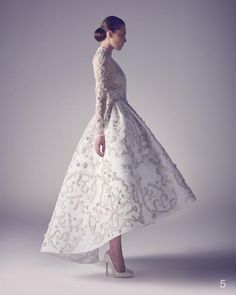 ASHI STUDIO 2015 İlkbahar Yaz Haute Couture - Haute Couture dünyasında bilindik bir isim olan Ashi Studio'nun 2015 İlkbahar Yaz haute couture gelinlik koleksiyonu...