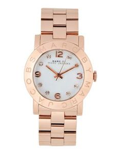 Marc Jacobs rosegold watch for your wishlist     #giftguide    |   Styletorch.com