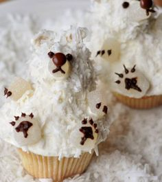 Vanilla Buttermilk Polarbear Cupcakes