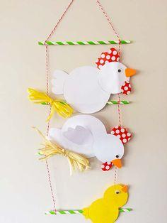 knutselen voor pasen, een kippenmobile