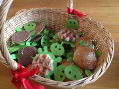 Treats, Christmas Ornaments, Holiday Decor, Party, Kids, Food, Sweet Like Candy, Young Children, Goodies