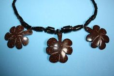 @BlackCoral4you Coconut and Black Coral necklace / Collar de Coco y Black Coral  http://blackcoral4you.wordpress.com/
