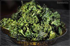 Garnkofilia: JARMUŻOWE CHIPSY Seaweed Salad, Zero Waste, Herbs, Vegan, Ethnic Recipes, Herb, Vegans, Medicinal Plants