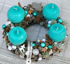 Too beachy but awesome! Christmas Design, Christmas Ideas, Advent Wreath, Creative Crafts, Centerpieces, Winter Things, Xmas, Wreaths, Candles