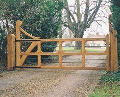 Metal and wood gate Metal Driveway Gates, Front Gates, Wood Gates, Farm Gate, Fence Gate, Fencing, Farm Entrance, Entrance Gates, Open Plan Kitchen Living Room
