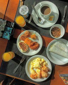 Bom dia! Tem coisa mais gostosa do que café da manhã mineiro?  Achamos que não... Mas se tiver por favor contem pra gente!   #gourmetadois #ga2 #cafedamanha #breakfast #minasgerais