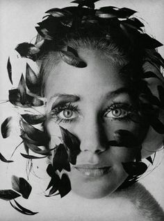 Marisa Berenson.  Photo by Irving Penn.  Vogue, September 1967.