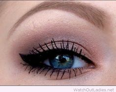 Naked 2 Palette eye makeup with winged eyeliner