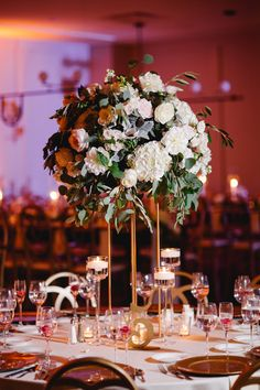 Green Wedding Centerpieces, White Wedding Bouquets, Centerpiece Ideas, Table Decorations, Table Numbers, Floral Design, Reception, Candles, Gold