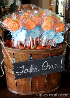 Make a cute basket of pumpkin pops for your Halloween party or Thanksgiving celebration!