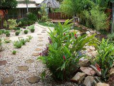 13 Delightful Garden Decorations With Pebbles