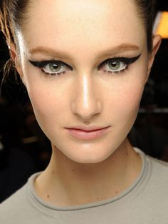 the latest fall beauty trend inspired by classic Hitchcock heroines is FIERCE!