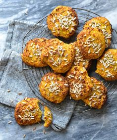 Carrot & Cauliflower Buns with a Twist of Parmesan and Thyme - cauliflower, carrots, chia seeds, psyllium husk, eggs, grated Parmesan, fresh thyme, salt, sunflower seeds + ekstra (for topping)