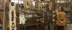 Conhecida como uma das melhores feiras de antiguidades e artesanato do Brasil, a Feira da Praça Benedito Calixto acontece desde 1987 e reúne em Pinheiros, todos os sábados, mais de 300 expositores. Foto: Marcelo Iha/SPTuris.