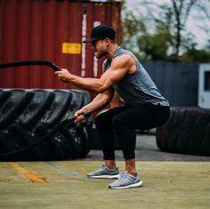Bradley Simmonds battle rope workout...