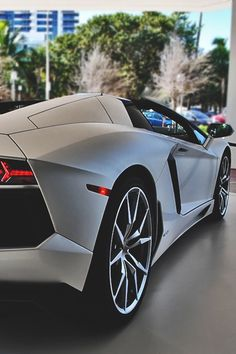 johnny-escobar: Aventador Roadster...