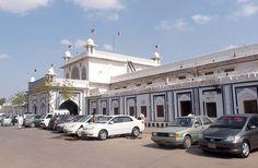 Hyderabad Pictures: Hyderabad Railway Station building - Photos of Hyderabad Pakistan