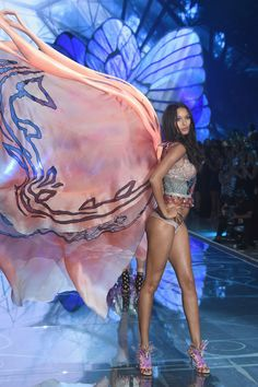 Lais Ribeiro Victoria's Secret Fashion Show 2015 (Exotic Butterflies)